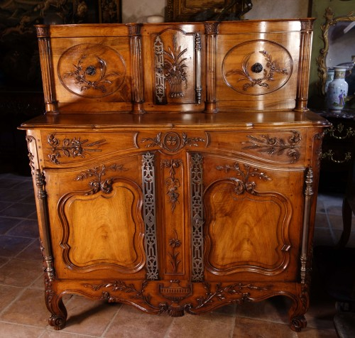 Provencal Arles sideboard in walnut, 18th century -