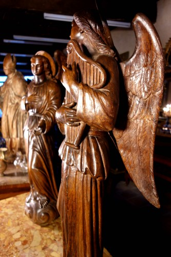 Antiquités - Large couple of angels in carved wood