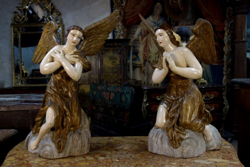 Pair of polychrome wooden angels - Sculpture Style