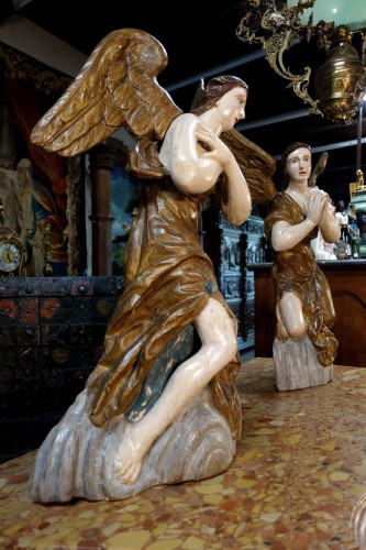 18th century - Pair of polychrome wooden angels