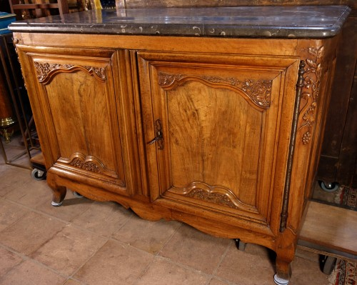 Lyonnais hunting buffet on legs - Furniture Style Louis XV