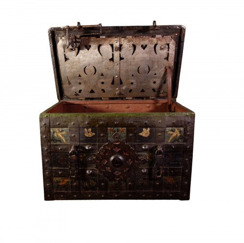 Large polychrome Nuremberg chest with padlock
