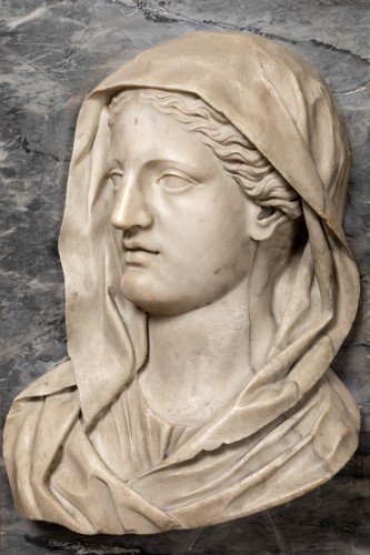 Sculpture  - Important profile of a marble vestal, 17th century Italy