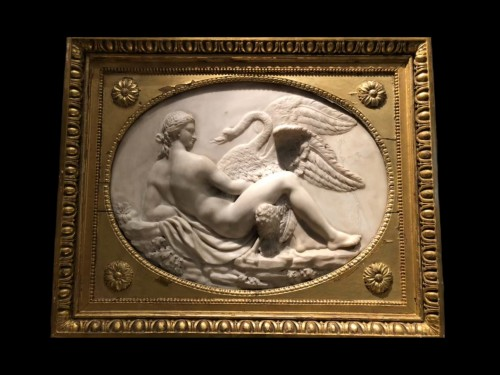 Leda and the swan, marble relief - France 18th century - Sculpture Style