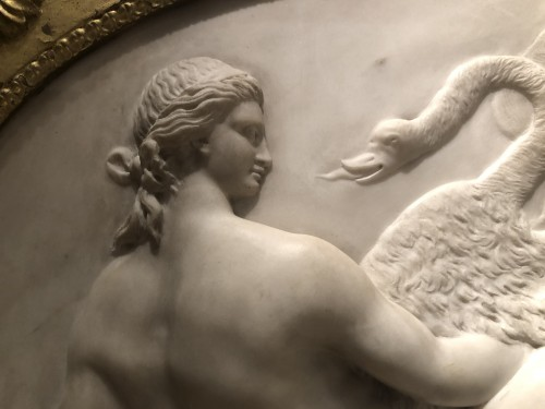 Sculpture  - Leda and the swan, marble relief - France 18th century