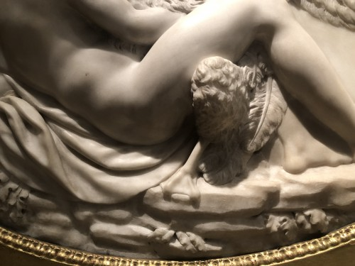Leda and the swan, marble relief - France 18th century -
