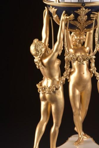 The 3 Graces, an impressive Cercle Tournant mantel clock  - Napoléon III