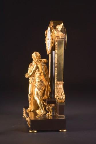 """""""Le Réconciliation"""", A large romantic Empire ormolu clock - Empire"""