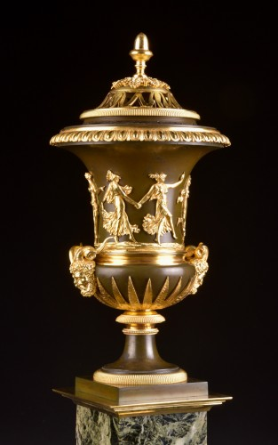 Large French Ormolu and Marble Urn Mantel Clock by Thomire, circa 1800 - Empire