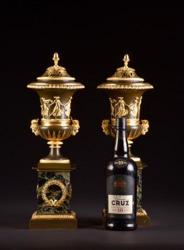 Antiquités - Large French Ormolu and Marble Urn Mantel Clock by Thomire, circa 1800