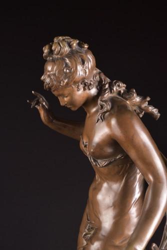 Antiquités - Jeune fille et oiseau - Mathurin Moreau (1822 -1912)