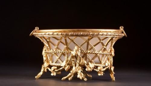 A large gilt-bronze Jardinière by Maison Alphonse Giroux a Paris, ca. 1860 - Decorative Objects Style Napoléon III