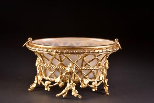Decorative Objects  - A large gilt-bronze Jardinière by Maison Alphonse Giroux a Paris, ca. 1860