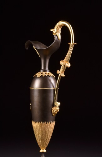 A Large Empire bronze ewers - Empire