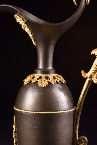 Antiquités - A Large Empire bronze ewers