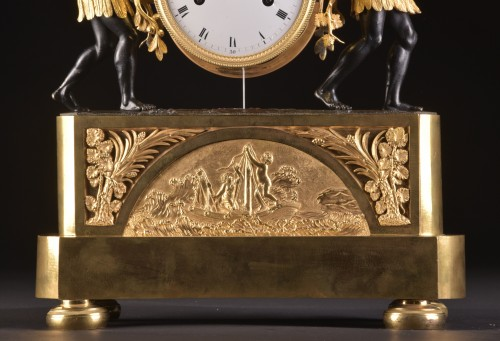 Horology  - A magnificent Empire mantel clock portraying Paul an Virginie, (1800-1805)