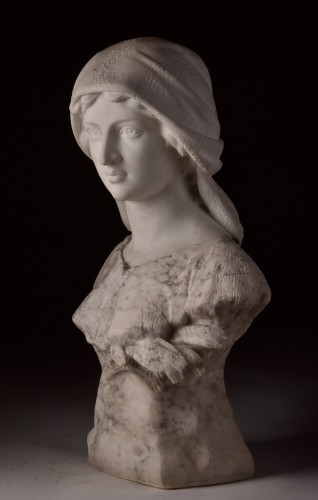 Large two-tone Carrara marble bust of a young woman - Art nouveau