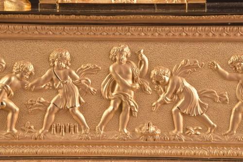 Antiquités - A large French gilt bronze pendule, Fortuna Goddess with the Cornucopia