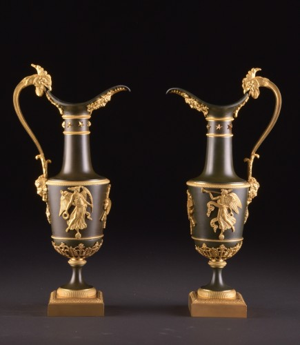 Antiquités - Pair of gilt & patinated bronze ewers, attributed to Claude Galle, ca. 1805
