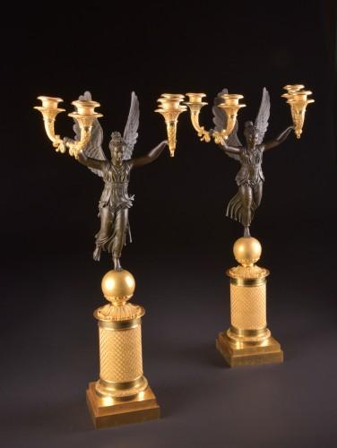 Exceptionally fine pair French figural bronze Empire candelabra - Empire