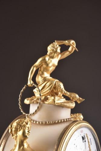 Louis XVI - A beautiful marble Louis XVI mantel clock with mermaid and bacchante