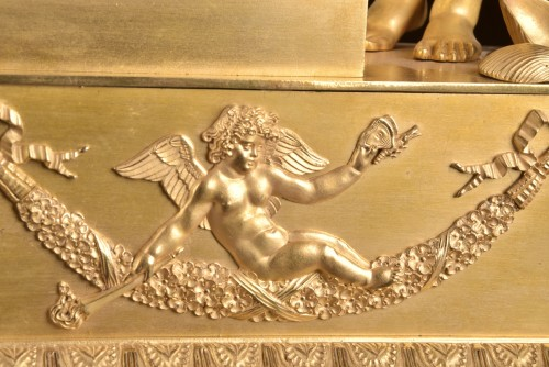 19th century - A French Louis Philippe mantel clock with a large putto, circa 1830