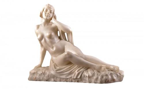 Nude alabaster sculpture by Alberto Currini, ca. 1900