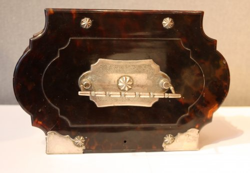 18th century - A Dutch colonial silver-mounted tortoiseshell casket, 18th century