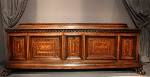 Antiquités - A late 15th century inlaid walnut chest cassone, Florence