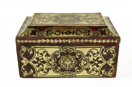 A Louis XIV 17th  c. brass and tortoiseshell veneered casket
