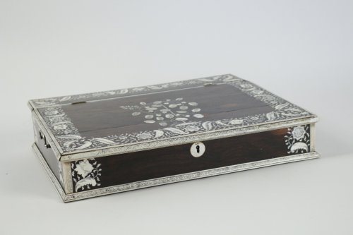 An Anglo-Indian mid 18th century rosewood inlaid writing slope - Decorative Objects Style