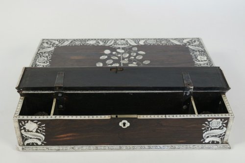 Antiquités - An Anglo-Indian mid 18th century rosewood inlaid writing slope
