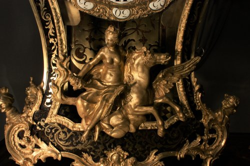 An 18th century Louis XV ormolu mounted Boulle marquetry bracket clock  - Clocks Style Louis XV
