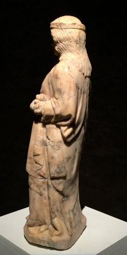 A 14th century Cologne marble carved figure of a female saint - Middle age