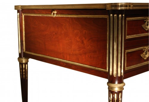 Furniture  - 18th century Louis XVI Mahogany Bureau plat stamped G. DESTER