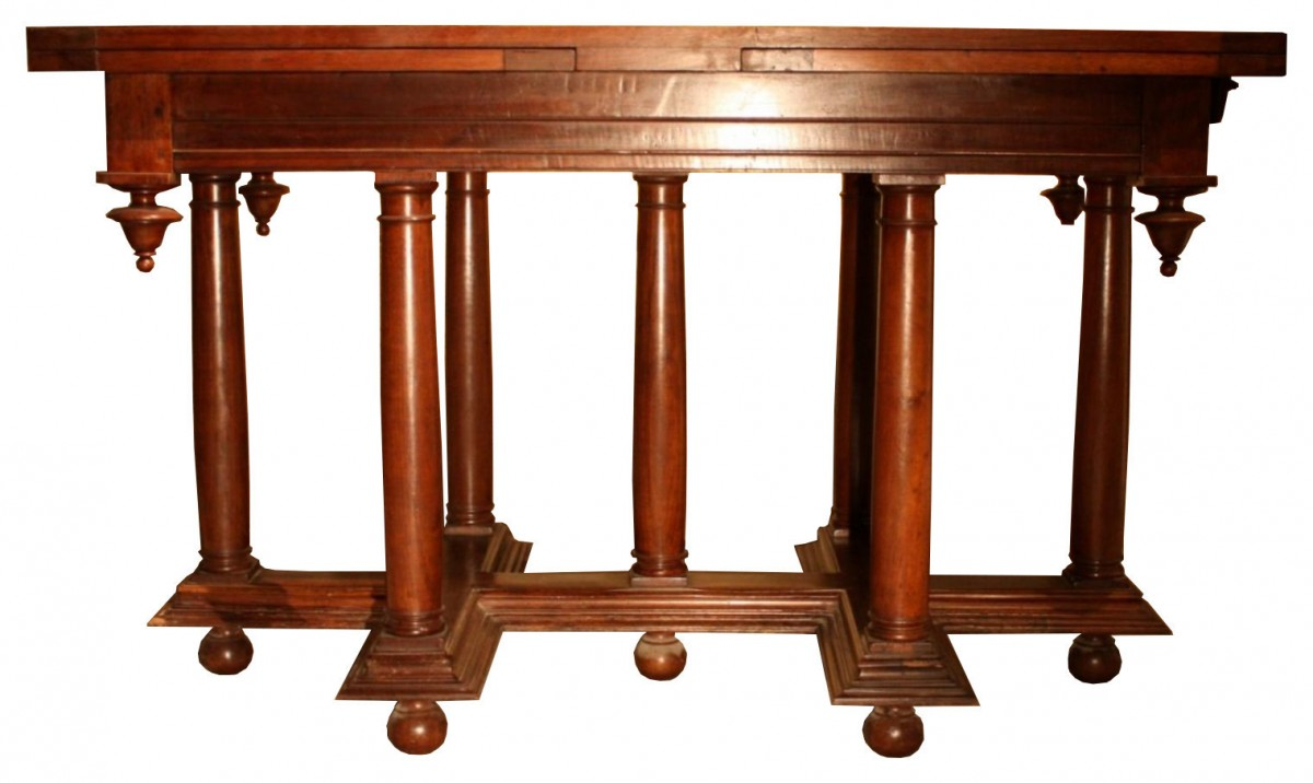 16th century renaissance walnut table. Black Bedroom Furniture Sets. Home Design Ideas