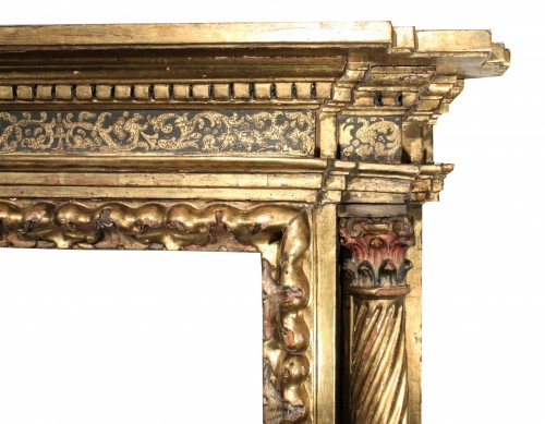 Renaissance - Italian Renaissance giltwood frame tabernacle