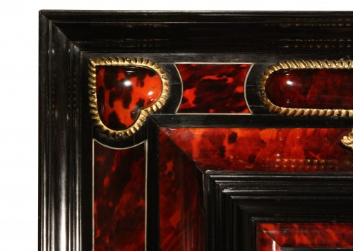 Antiquités - 17th Century Antwerp Tortoiseshell And Ebony Mirror