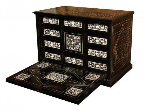 17th century - 17th Century Italian Ivory And Ebony Inlaid Cabinet