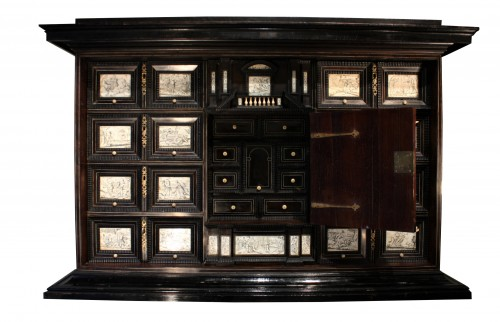 Furniture  - Early 17th c. Neapolitan ebony and engraved ivory cabinet