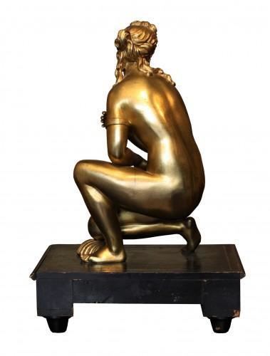 Late 17th C. Gilt Bronze Crouching Venus - Sculpture Style Louis XIV