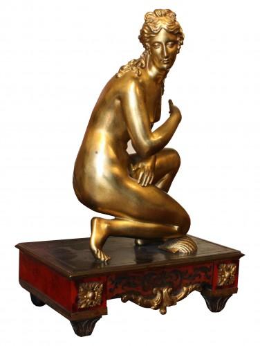 Sculpture  - Late 17th C. Gilt Bronze Crouching Venus