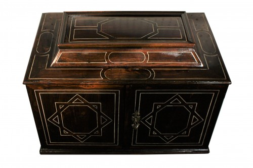 Furniture  - Early 17th Century Augsbourg Rosewood And Ivory Inlaid Cabinet