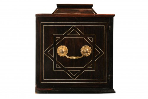 Early 17th Century Augsbourg Rosewood And Ivory Inlaid Cabinet -
