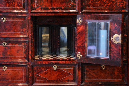 Louis XIV - An Antwerp 17th century tortoiseshell inlaid cabinet