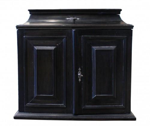 17th c. Flemish ebony travel cabinet - Furniture Style Louis XIII