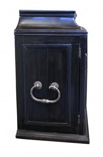 Furniture  - 17th c. Flemish ebony travel cabinet