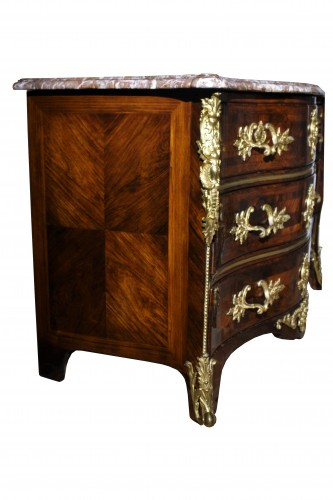 18th century - A Louis XV 18th c. guilt-bronze mounted rosewood commode