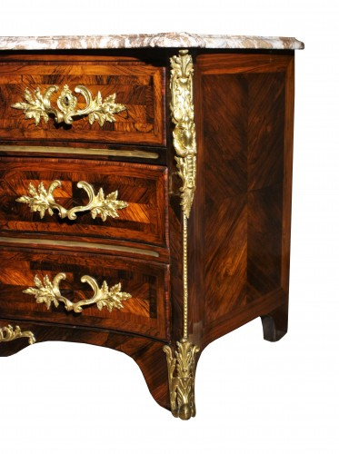 Antiquités - A Louis XV 18th c. guilt-bronze mounted rosewood commode