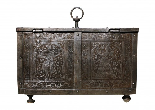 16th century - 16th C. Nuremberg Etched Iron Casket